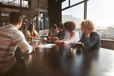 Invertir desde tu primer trabajo hace la diferencia para tu retiro
